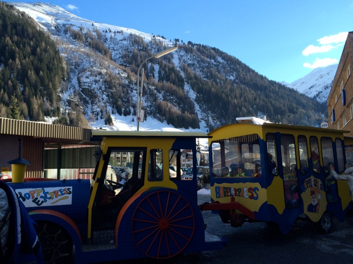 Hoppl Express that transports children back and forth between St Anton and Nasserein